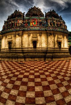 Temple in Little India ~ Singapore #travelnewhorizons