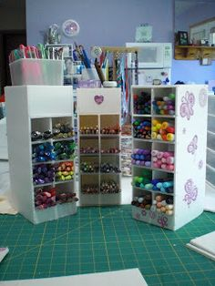 Flutterbug Haven: Dollar store foam core. Vertical for horizontal storage of markers.