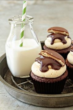 cupcakes with milk, perfect!