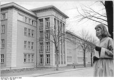 http://www.app-in-die-geschichte.de/document/50833 Rostock, Neubau medizinische Universitätsklinik Zentralbild Löwe (Rostock) 2.5.1957