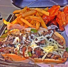 Like American Deli Filling Food, Tasty, Yummy Food, Yummy Yummy, Food Goals, Recipes From Heaven, Food Cravings, Food Design, I Love Food