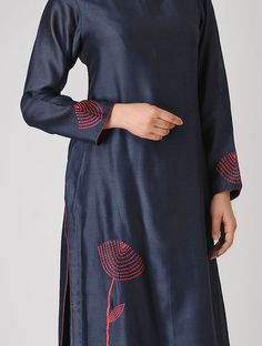 Blue Embroidered Chanderi Kurta Embroidery On Kurtis, Kurti Embroidery Design, Hand Embroidery Dress, Embroidery On Clothes, Churidar Designs, Kurta Designs Women, Kurti Neck Designs, Blouse Designs, Salwar Pattern