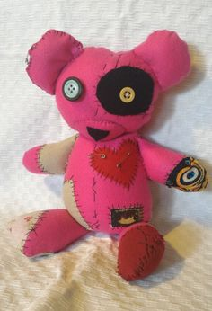#orsotenero #orsodipezza #puppetz #cucito #cucitoamano #spille #tenero #regalo #pezze #orso #fuxsia