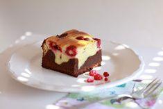 Feines Handwerk: Cheescake Brownies mit Himbeeren