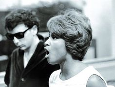 """Darlene Love and Phil Spector (the """"cool"""" being Darlene, of course) 1960s Mod Fashion, Darlene Love, Wall Of Sound, Dorothy Dandridge, Eartha Kitt, American Bandstand, Coloured Girls, Vintage Black Glamour, Ways To Be Happier"""