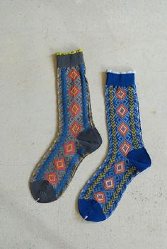 If anyone could find a pair of these for me, you would be my best friend.