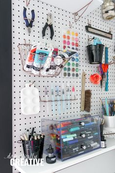 If you're an artist, then you know that your studio or office can quickly become over run with art supplies. Here's some ideas to help you organize hand lettering and watercolor supplies, as well as other common storage ideas for markers and art supplies Pegboard Organization, Organizing, Storage Organization, Rose Gold Painting, Marker Storage, Craft Room Decor, Craft Rooms, Feminine Home Offices, Office Supply Organization