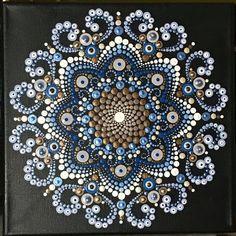 dot paint, puntillismo Mandala Canvas, Mandala Dots, Mandala Pattern, Mandala Design, Dot Art Painting, Rock Painting Designs, Painting Patterns, Stone Painting, Mandala Art Lesson