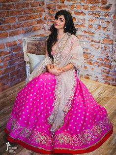 Looking for pink bridal lehenga? Browse of latest bridal photos, lehenga & jewelry designs, decor ideas, etc. on WedMeGood Gallery. Pink Bridal Lehenga, Indian Bridal Lehenga, Indian Dresses, Indian Outfits, Indian Attire, Indian Wear, Lehenga Designs, India Fashion, Japan Fashion