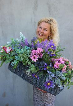 Flower Vases, Flower Pots, Vase Arrangements, Funeral Flowers, Ikebana, Diy And Crafts, Floral Wreath, Bouquet, Bloom
