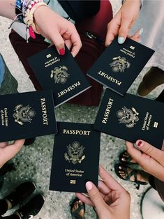 Photography Ideas For Friends Friendship Group Photos 17 Ideas Passport Pictures, Travel Pictures, Travel Photos, Airplane Photography, Travel Photography, Adventure Photography, Photography Ideas, Travel Goals, Travel Style