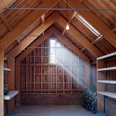 """Tom Lloyd and Cassion Castle build garden studio  embracing """"timber and craftsmanship"""""""