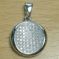 Massjewelry - Micro Setting Brilliant Cut White CZ 925 Sterling Silver Circle Pendant