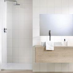 Klikk for zoom Toilet, Bathtub, Mirror, Bathroom, Furniture, Home Decor, House Ideas, Spa, Modern