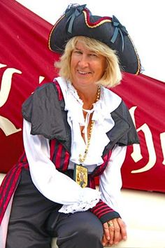 Lady Pirate Lady Pirate, Pirate Woman, Pirates, Captain Hat, Hats, Style, Fashion, Swag, Moda