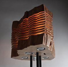 Además de ser lámparas estos troncos son un homenaje a la belleza natural de la madera