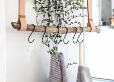 Bet on the kitchen decor decoration - Elle Décoration - decoid Decor, Furniture Diy, Ladder Decor, Home Decor, Home Deco, Laundy Room, Decorating Your Home, Comfy Decor, Diy Plans