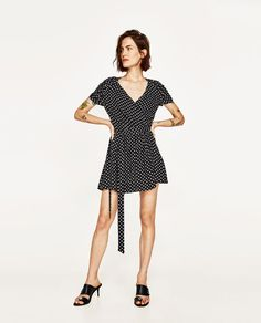 ZARA - MUJER - MONO CORTO LUNARES Internship Outfit, Zara Women, New Girl, Jumpsuits For Women, How To Look Better, Polka Dots, Cute Outfits, Short Sleeve Dresses, My Style