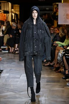 VETEMENTS SPRING/SUMMER LOOK 26