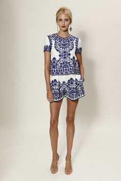 Naeem Khan Resort 2015 - Slideshow - Runway, Fashion Week, Fashion Shows, Reviews and Fashion Images - WWD.com