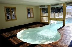 Inground concrete swimming pool (indoor/outdoor)
