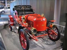 """*AMERICA ON WHEELS ~ Museum--1908 Stanley EX Runabout, THIS ONE MANUFACTURED IN 1908, WERE NICKNAMED """"Stanley Steamers"""". They were the most famous steam powered vehicles ever made. A 1899 Stanley was the first car to climb Mt. Washington."""