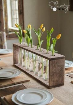 How can I decorate my home on a budget? Cheap and Easy DIY Home Decor Projects! These DIY projects are great for beginners! Diy Home Decor Projects, Diy Wood Projects, Decor Ideas, Best Diy Projects, Diy Decorations For Home, Vase Ideas, Simple Projects, Diy Home Decor Easy, Apartment Projects