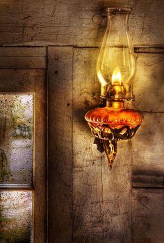 Furniture - Lamp - Kerosene Lamp  Bird's Eye View of the Katydid http://www.birdseyeviewoftheworldofthekatydid.blogspot.com