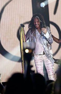 On the Nashville set Liv Tyler 90s, Steven Tyler Aerosmith, Early Music, Love Me Forever, Music Film, Country Boys, American Idol, Kinds Of Music, My Boyfriend