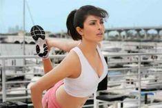 Priyanka Chopra Workout Routine Gym Exercise Diet Plan Yoga Chest Ads Leg fitness Tips