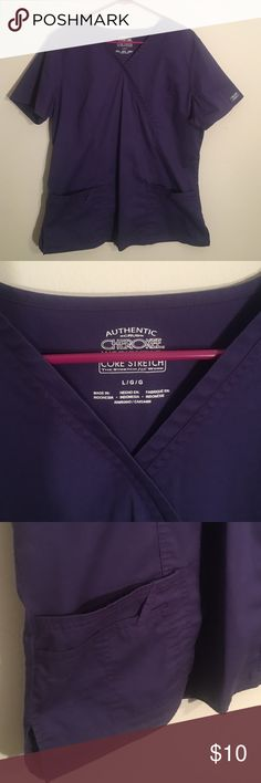 🛍 Moving Clear Out! Purple Scrub Top Has 4 pockets! Very comfortable, no stains or rips Cherokee Tops