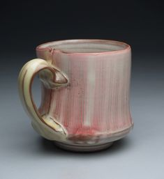 martina lantin. I love how the handle is attached and pulled from the bottom.