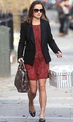 Pippa Middleton in Zara.   I want this dress!