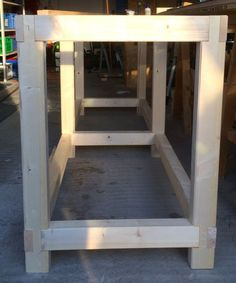 Hier beschreibe ich den Bau einer sehr stabilen Werkbank die mit wenig Aufwand gebaut werden kann. Den Anfang macht der Unterbau. Um endlich die Garagenwerkstatt aufräumen zu können brauche ich noch eine stabile Werkbank auf der ich meine diversen stationären … Weiterlesen →