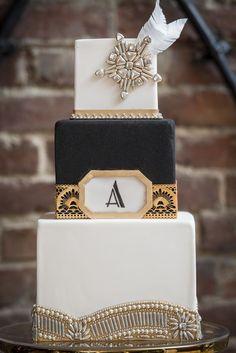 Black, White & Gold Cake with an Art Deco Design | Vintage Speakeasy Wedding Inspiration|Photographer: IJ Photo
