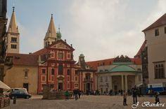 Las Fotografías de Bandera: Basílica de San Jorge en Praga