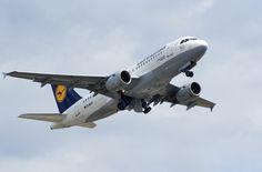 Lufthansa stellt Premium Economy Class vor von Mr. Travel · http://reisefm.de/luftfahrt/lufthansa-stellt-premium-economy-class-vor/ · Die deutsche Lufthansa hat auf der Reisemesse ITB ihre neue Passagierklasse Premium Economy Class für die Langstrecke vorgestellt.