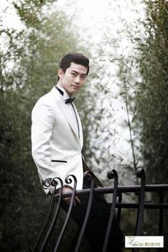 ok taecyeon ♥ 2pm....wouldn't this be a great thing to see on your wedding day
