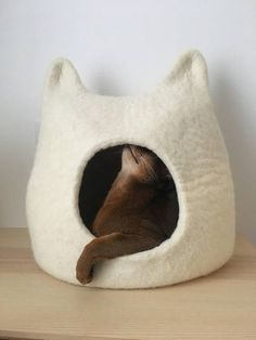 Cat bed cat cave cat house eco-friendly handmade felted