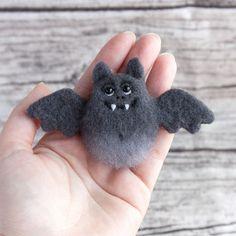 Bat Brooch Halloween jewelry needle felted brooch Hand