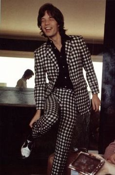 MICK STYLING AS ONLY  MICK CAN DO. IS THAT HERRINGBONE ALL YOU HABERDASHERS OUT THERE?