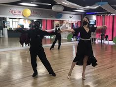 We understand that most people focus on what comes easy when #dancing. However, to better your skills, look for and practice moves and concepts that challenge you. In the long run, it will give you the most bang for you buck! . . . . . #dancetips #danceideas #arthurmurray #dancer #danceclasses #danceclass #dancestudio #wedding #weddingdance #dancelesson #dancefloor Group Dance, Dance Class, Dance Studio, Dance Tips, Dance Lessons, Arthur Murray, Sherman Oaks, Best Dance, Dance Choreography