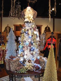 Image detail for -White Christmas: store display ideas « Retail Details