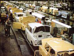 Trabi Produktion Zwickau East German Car, East Germany, Small Cars, Old Cars, Motor Car, World War Ii, Cars And Motorcycles, Antique Cars, Classic Cars