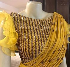 Beautiful blouse with organza frill sleeves. Blouse Back Neck Designs, Fancy Blouse Designs, Bridal Blouse Designs, Sari Design, Designer Party Wear Dresses, Stylish Blouse Design, Beautiful Blouses, Saree Blouse, Frill Blouse