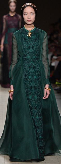 Tudor-style Valentino Spring 2014