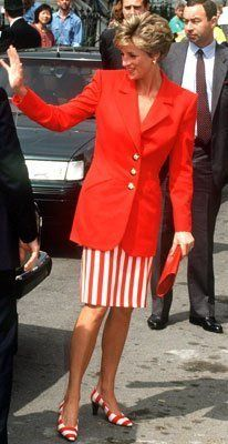 The Princess of Wales leaves a detoxification centre in Lambeth, south London, May She is wearing a red jacket and red and white striped skirt with matching shoes. (Photo by Jayne Fincher/Princess Diana Princess Diana Hair, Princess Diana Fashion, Princess Diana Pictures, Royal Princess, Princess Of Wales, Kate Middleton, Princes Diana, Charles And Diana, Diane