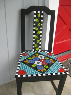 Oh my! I just love this idea!  --Just Another Cracked Pot: Mosaic Birthday Chair