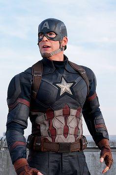 Captain America || Steve Rogers || Chris Evans