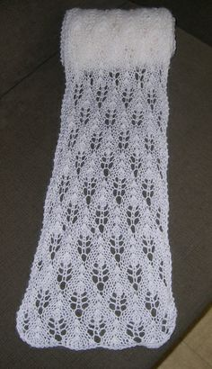 Ravelry: Project Gallery for Scarf with No Name pattern by Samantha Edgerly